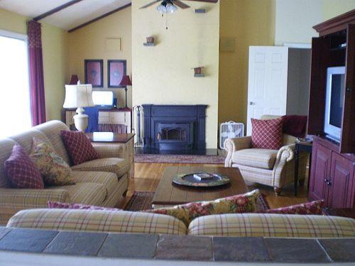 Livingroomredo20100430_07